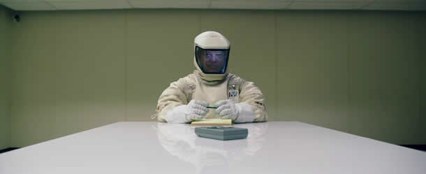 watch trailer for scifi thriller the signal