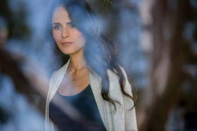 Jordana Brewster returns to the franchise as Mia Toretto in Furious 7, out April 3.