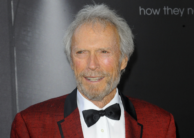 Clint Eastwood has signed on to direct Warner Bros. Pictures' Captain Sully movie.