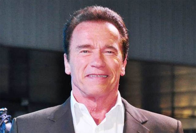 Arnold Schwarzenegger Replaces Donald Trump on Celebrity Apprentice.
