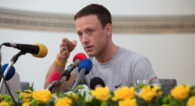 Ben Foster is Lance Armstrong in The Program trailer.