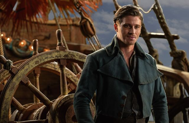 Interview: Pan's Garrett Hedlund on Playing a Different Kind of Hook.