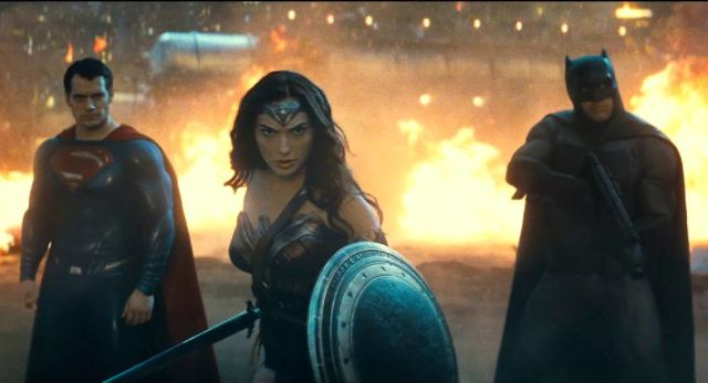 65 Screenshots from the New Batman v Superman Trailer.