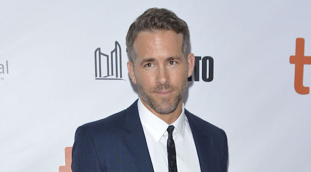 Ryan Reynolds may star in the sci-fi film Life.