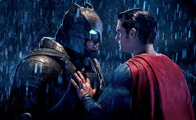 New Batman v Superman Footage Debuts in International TV Spot