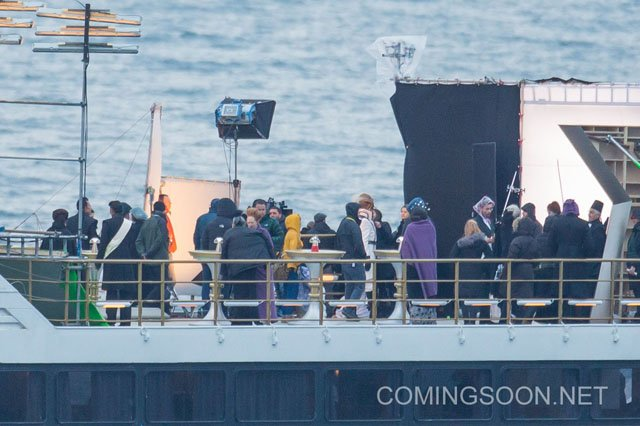 Even More Star Wars: Episode VIII Set Photos at Sea