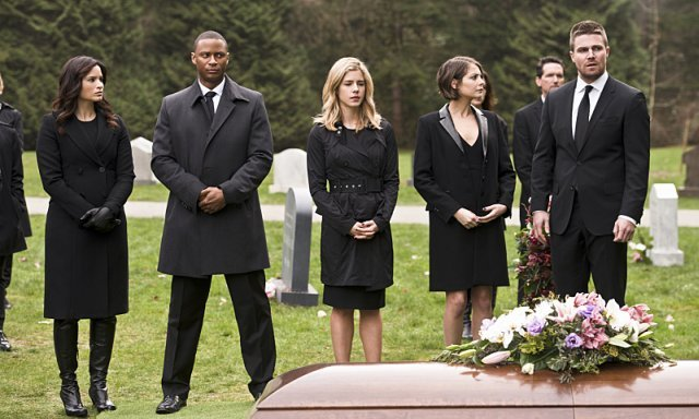 There's a Funeral for a Friend in Arrow Episode 4.19 Photos