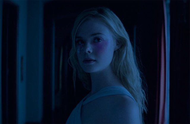 NSFW Red Band International Trailer for The Neon Demon