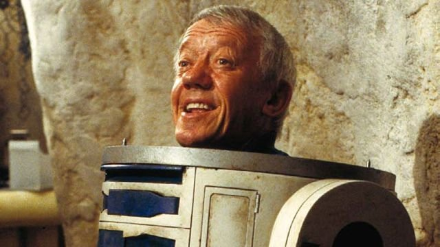 R2-D2 Actor Kenny Baker Dies at 83