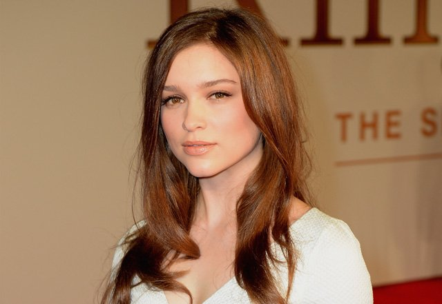 Sophie Cookson Picture 1: Sophie Cookson Joins Naomi Watts In Gypsy