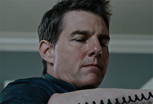 Jack Reacher: Never Go Back IMAX Trailer Punches Hard