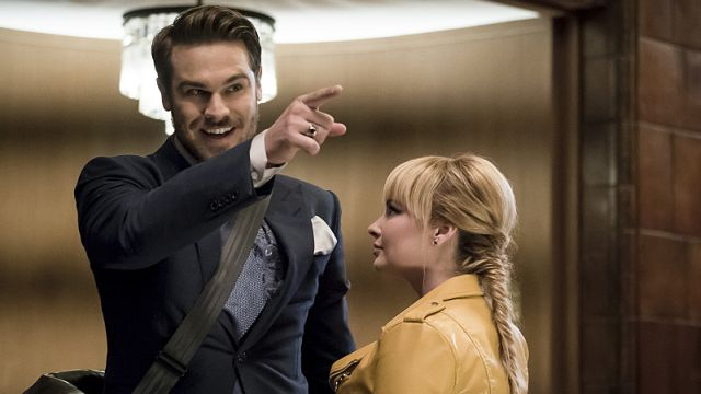 The New Rogues Meet the Old Rogues in The Flash Episode 3.04 Clip