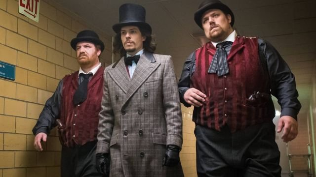 The Mad Hatter Earns His Moniker in Gotham Episode 3.07 Photos