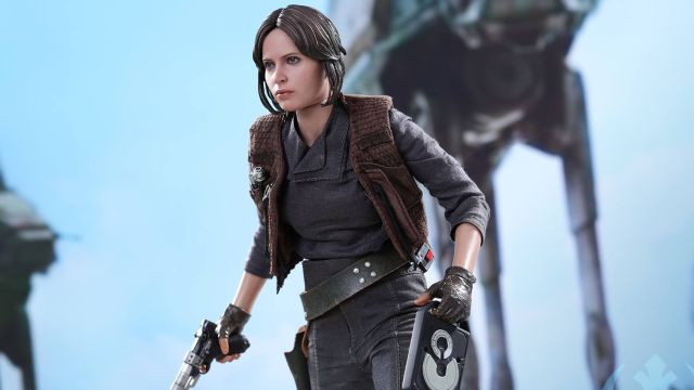 Rogue One's Jyn Erso Hot Toy Revealed!