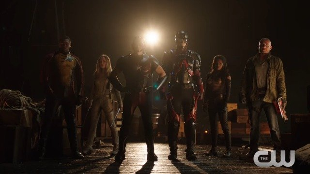 DC's Legends of Tomorrow Clip: The Team Does Things The Chicago Way