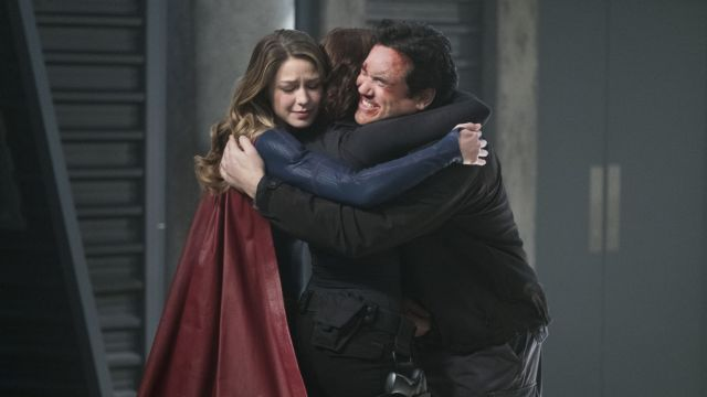 It's a Danvers Family Reunion in Supergirl Homecoming Photos