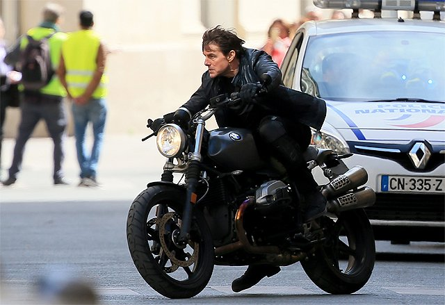 Tom Cruise Stunts In Mission Impossible 6 Set Photos