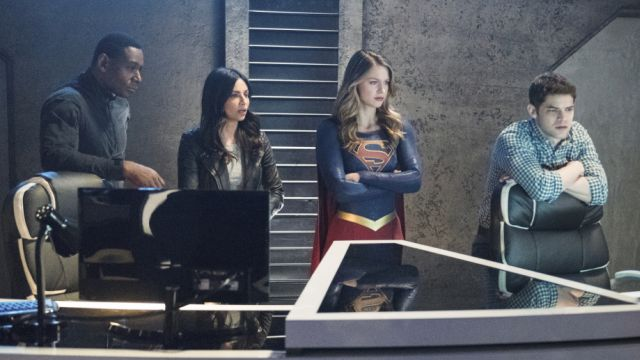 Maggie and Supergirl Team Up to Save Alex in New Photos