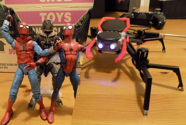 Spider-Man: Homecoming Hasbro Set and Spider-Drone Unboxing