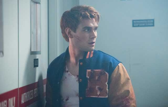 Check out 16 new pics from the Riverdale Season 2 premiere 'A Kiss Before Dying'