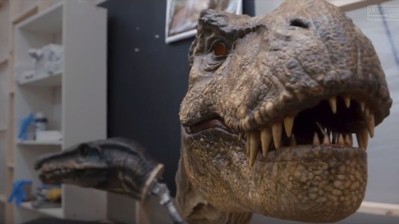 Go Behind the Scenes in a Jurassic World: Fallen Kingdom Featurette