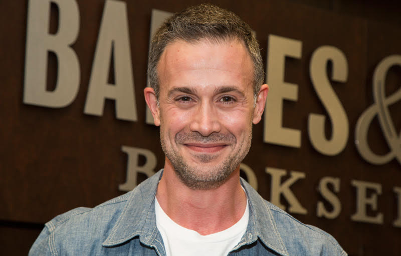 Freddie Prinze Jr. and David Flynn to Star in I Mom So Hard Pilot