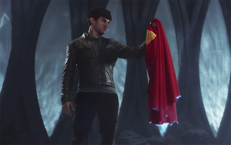 New Krypton Trailer Features Superman's Cape
