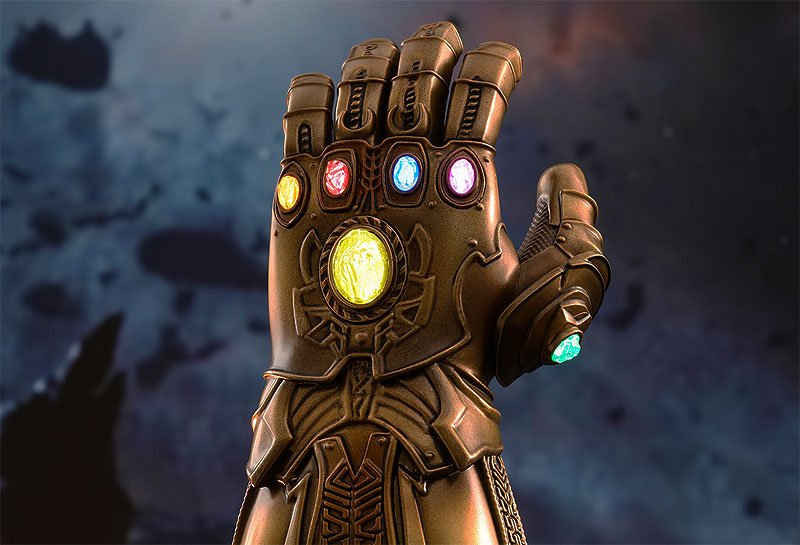 Hot Toys Infinity Gauntlet 1/4 Size Collectible Photos