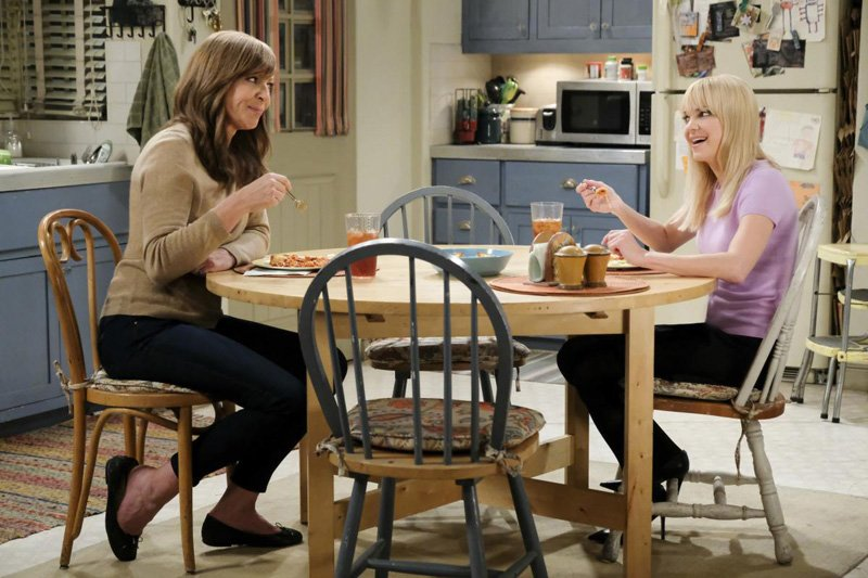 CBS Renews Mom for a Sixth Season