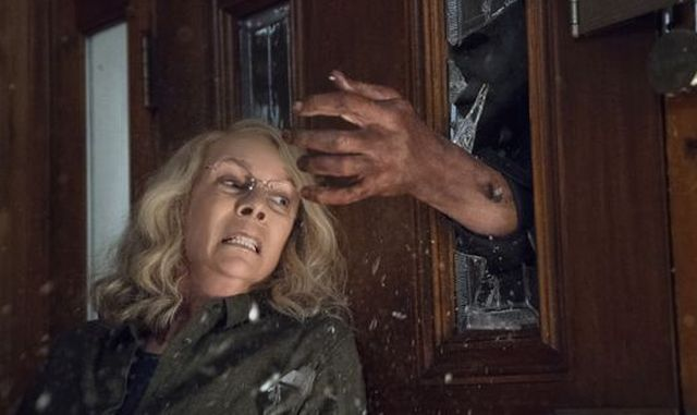 Michael Myers Returns in First Official Photos from Halloween!