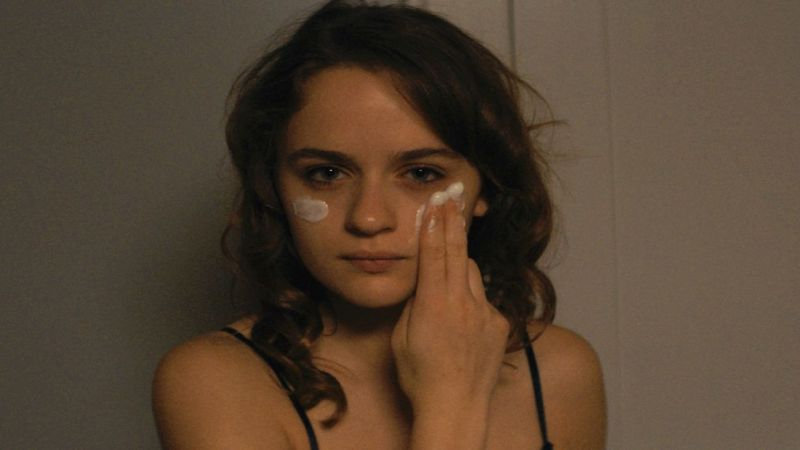 New Trailer and Poster For Joey King-Starring Family Drama Summer '03