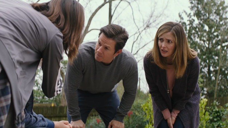 Instant Family: First Look at Mark Wahlberg, Rose Byrne Comedy