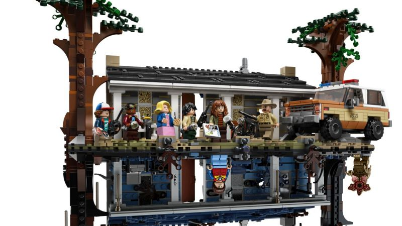 Official Look At The New Stranger Things LEGO 75810 The Upside Down