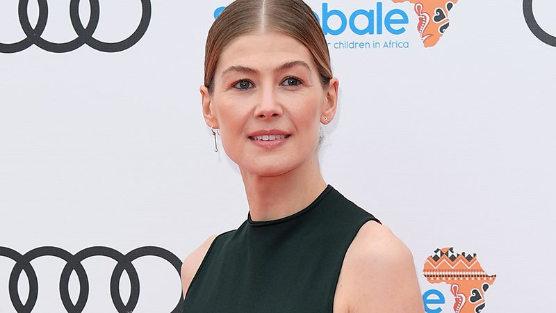 Rosamund Pike to Lead Amazon's 'Wheel of Time' Series