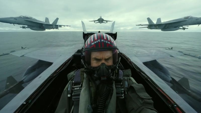 Trailer for 'Top Gun: Maverick' starring Tom Cruise (and his stunts)