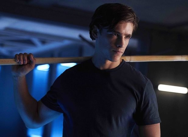 Dick Grayson Becomes Nightwing in Titans Second Season Finale Promo