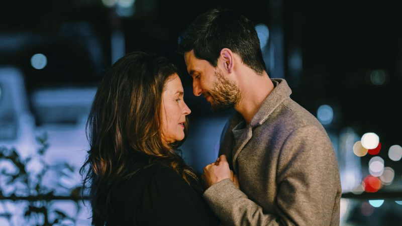 Gold Digger Trailer: Ben Barnes & Julia Ormond Star in New Miniseries
