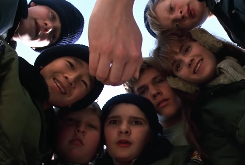 Josh Gad Hosting Goonies Reunion With Sean Astin, Original Cast Members