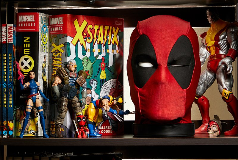 Hasbro Unveils Marvel Legends Deadpool's Premium Interactive Head