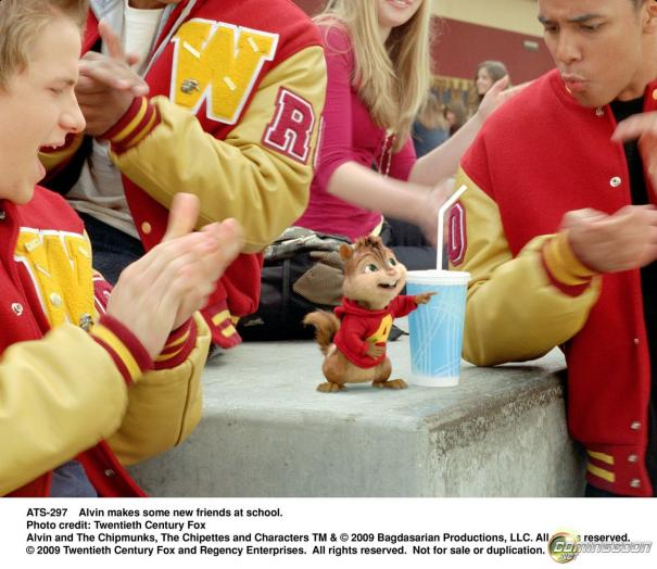Alvin_and_the_Chipmunks:_The_Squeakuel_5.jpg