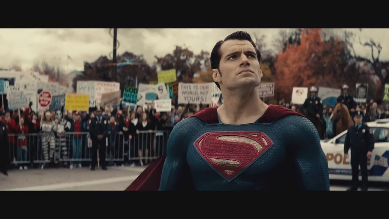 http://cdn1-www.comingsoon.net/assets/uploads/gallery/bvs-trailer-2-screenshots/batman-v-superman-trailer-002.jpg