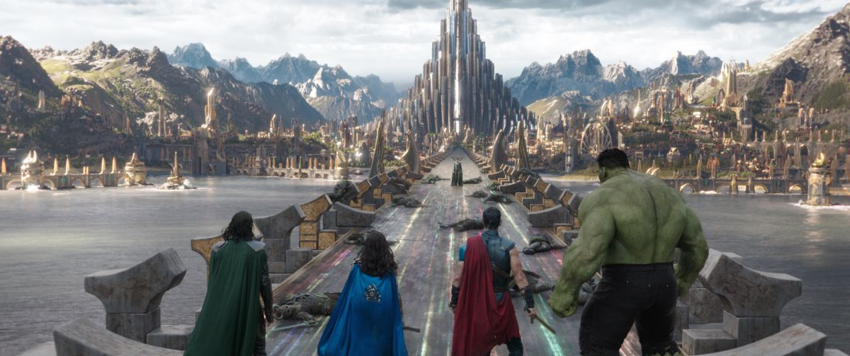 Marvel Studios' THOR: RAGNAROK L to R: Loki (Tom Hiddleston), Valkyrie (Tessa Thompson), Thor (Chris Hemsworth) and Hulk (Mark Ruffalo) in foreground facing Hela (Cate Blanchett) in background. Ph: Film Frame ©Marvel Studios 2017
